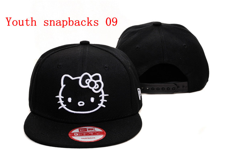 Gorra Hello Kitty New Era. Imagen. Gorra Hello Kitty negra y blanca be505a2e252